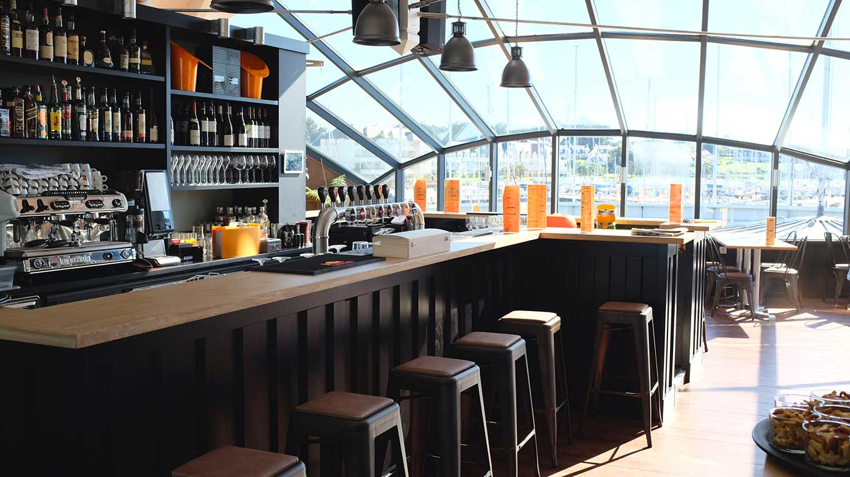 Bar restaurant le cargo ambiance agencement vannes plescop - Port du crouesty restaurant ...